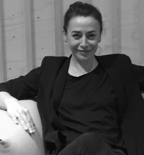 portrait de Sandrine Desnoues, architecte intérieur sur Montpellier